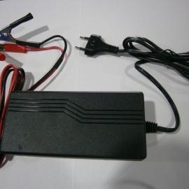 Зарядное устройство LUXEON BC-1210 (5 А)
